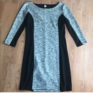 Flattering gray/black Fitted Dress